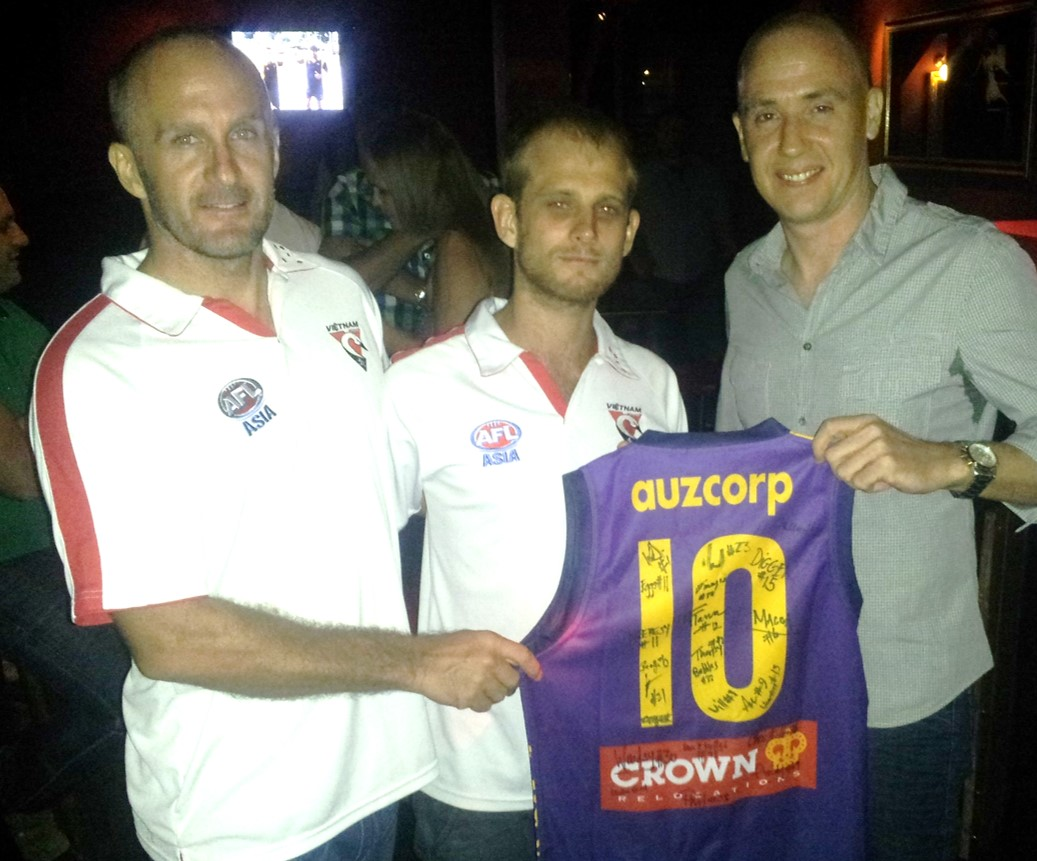 Malaysian Warriors President, Shaun 'Digger' Di Gregorio presents Swans President, Josh 'Big Dog' Lee together with Gus 'Luck' McEwin with the #10 Jumper as a dedication to the late Nick Shiells.