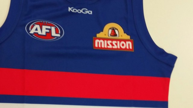 Lin Jong's Bulldogs jumper to auctioned at AFL Asia event
